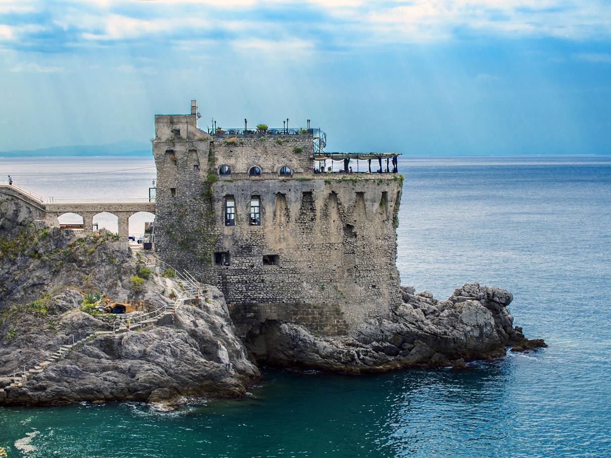 Le torri saracene di Maiori - Travel Amalfi Coast by Travelmar