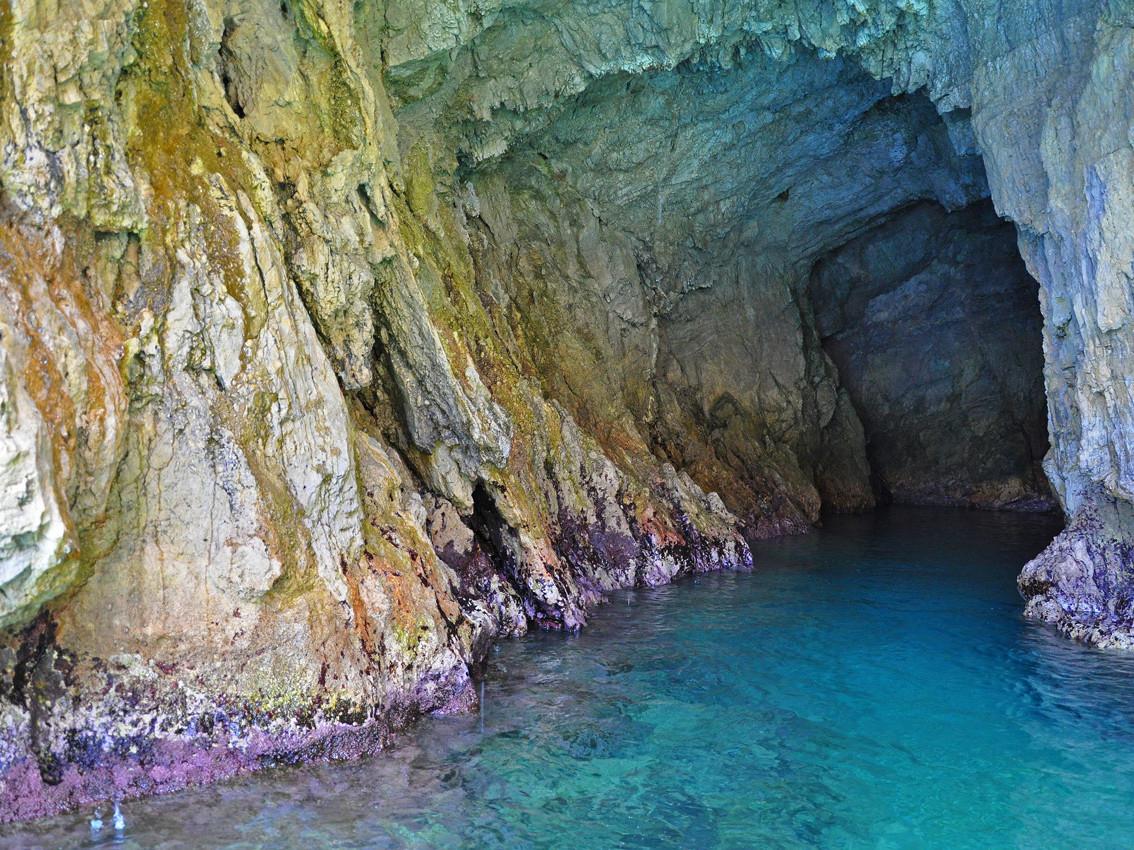 La Grotta dello Smeraldo - Travel Amalfi Coast